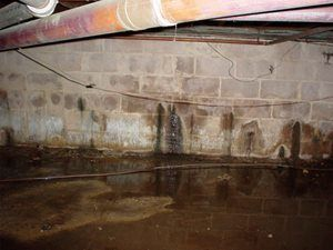Bina Boşluğundan Su Sızıyor